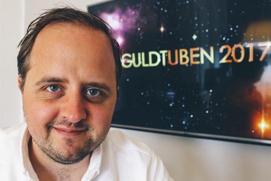 Kendt skuespiller og komiker bliver vært på Guldtuben 2017