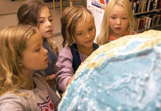 300 danske børn fra landets Rettighedsskoler sætter næste fredag trivsel i skolen på dagsordenen